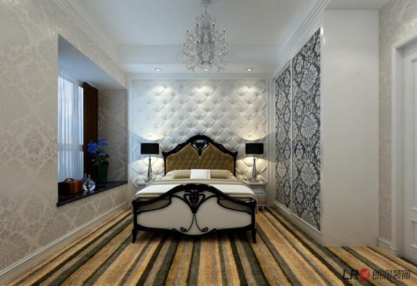 无论是家具还是配饰均以其优雅、唯美的姿态,平和而富有内涵的气韵,描绘出居室主人高雅、贵族之身份。