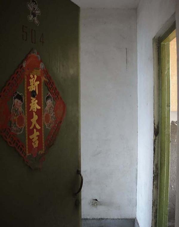 老房子的门