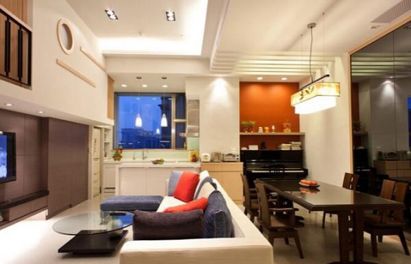 本案为现代简约风格的装修,房间的设计上采用格子的装饰,不论是储物空间还是实用性、美观性都能很好的达到现代简约风格的效果。厨房做开放式的厨房,把房间的整体空间最大化的利用起来。