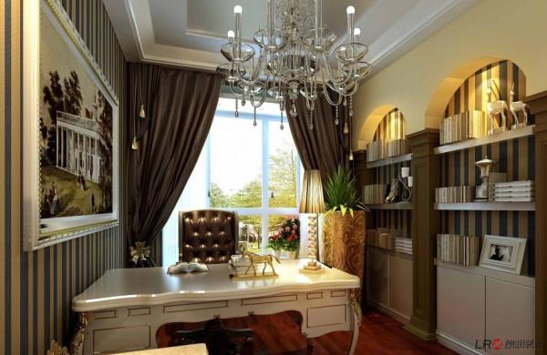 欧式风格装修的房间应选用线条繁琐,看上去比较厚重的画框,才能与之匹配。