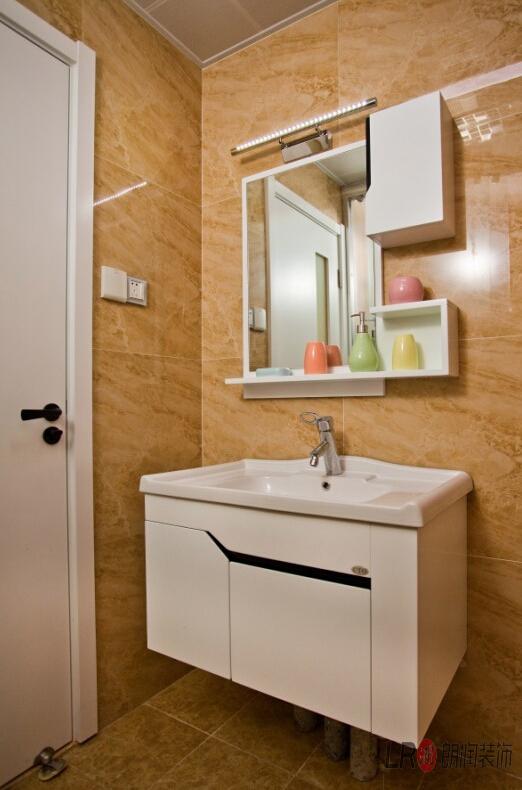 现代 简约 三句 三代同堂 卫生间图片来自朗润装饰工程有限公司在成都ICC  4号楼现代风格的分享