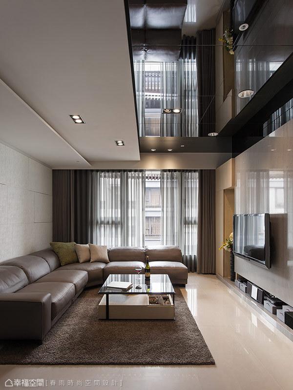 客厅图片来自幸福空间在99平白色减法 摩登光感的分享
