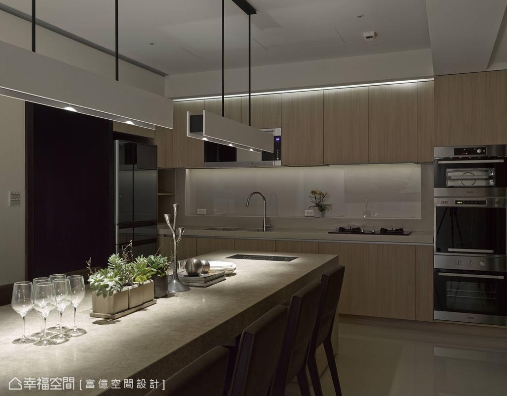 厨房图片来自幸福空间在205平度假饭店般的闲雅生活的分享