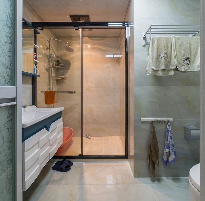 卫生间图片来自佰辰生活装饰在137方最美简约混搭风格的分享