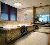 如果家里有两个卫生间,而主卫的空间又足够大,建议你装个双人浴缸,和情人沐浴的感觉特别浪漫温馨,别忽略了这样的美妙瞬间。