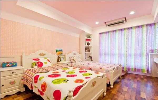 儿童房,两个宝宝的房间