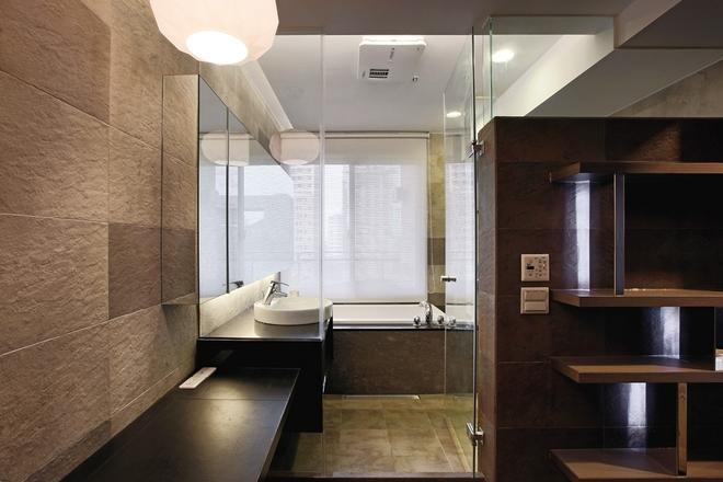 简约 四居 卫生间图片来自实创装饰上海公司在现代简约风格-三世同堂居家之乐的分享