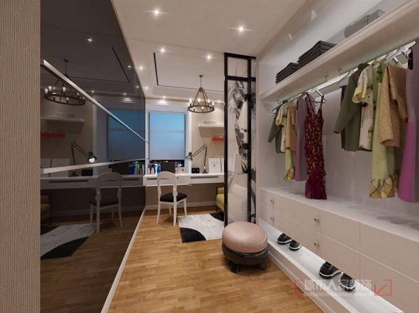 由于女主人是个歌手,后期设计考虑在独有的房间设为衣帽间在划分出一部分空间作为写作区域。供给女主人使用,保留了两个人互相不扰的工作环境。