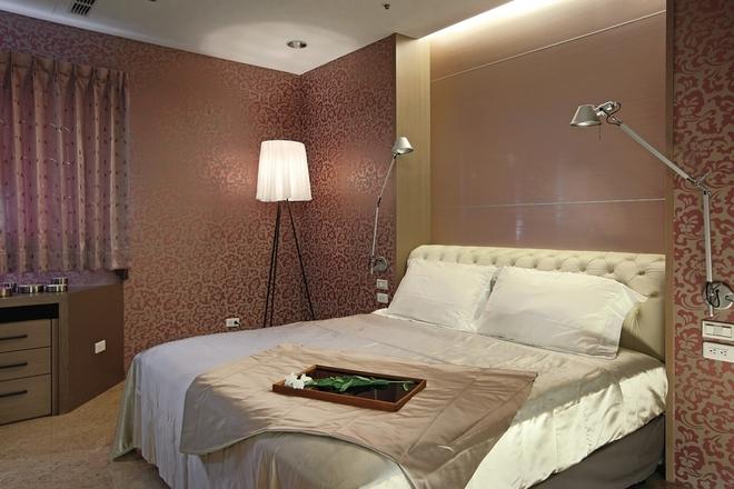 简约 四居 卧室图片来自实创装饰上海公司在现代简约风格-三世同堂居家之乐的分享