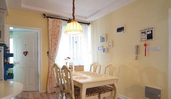 针对小户型家居来说,简欧风格更能打造浪漫温馨的家居,清新的色彩,更加接近大自然的装饰,无疑是放松心情最好的居所