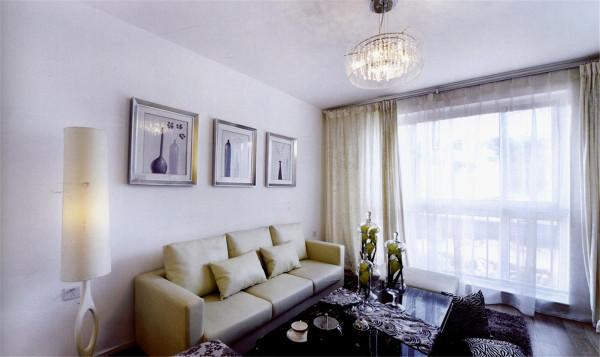整体设计体现的是简约而不失现代韵味的风格理念。简约风格中客厅的色彩大多以明快为主,注重细节化,赋予居室空间于生命、情趣。
