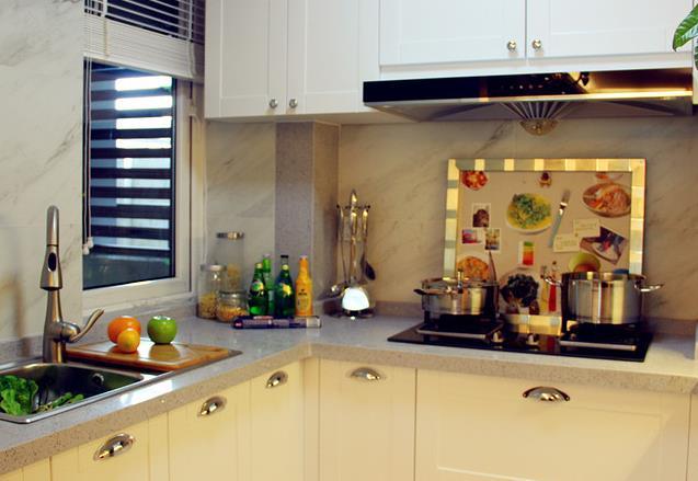 欧式 简约 三居 温馨 自然 厨房图片来自佰辰生活装饰在106平北欧风情三居空间的分享