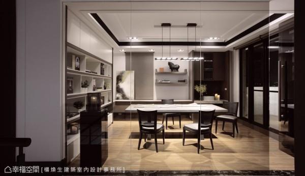紧邻露台的多功能空间,可做为阅读书房,也规划盥洗台面,可做为家人一同品茗、轻食的空间。