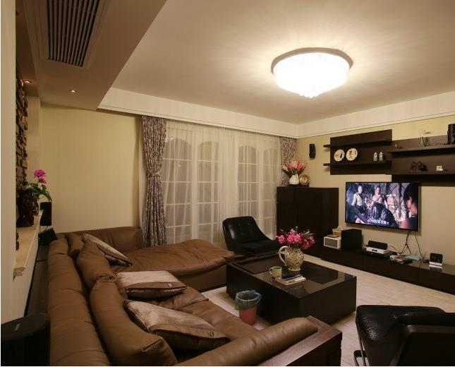 三居 简约 收纳 80后 客厅图片来自山水人家装饰在万锦江城82平3房现代风格的分享