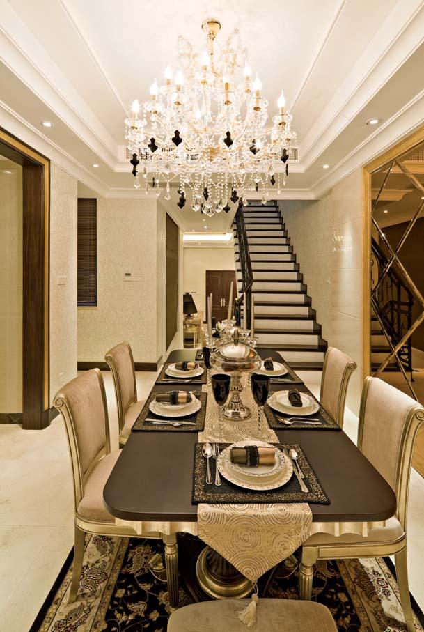 别墅设计 新古典 餐厅图片来自紫禁尚品装饰孟莹在新古典风格远洋遨北二期的分享