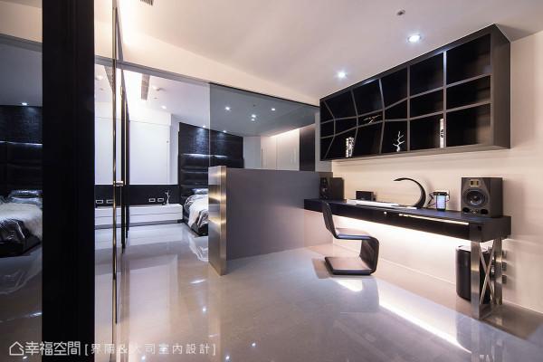 透过大胆的平面布局,重新定义主卧房、书房与主卫浴的场域关系。