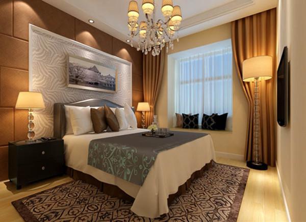 设计理念:强调感官舒适性的主卧室,用大型饰画手法及搭配造型床架为其睡眠区最大特色,床后绒布的软包设计手法,背景墙浅浅的软包才是奢华的最佳注解。