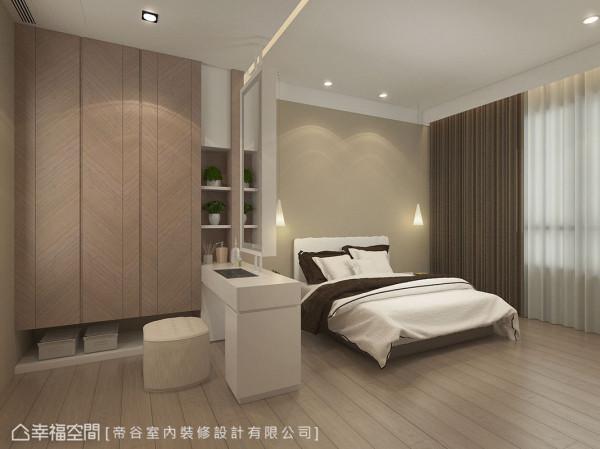 简约的床头主墙无多余赘饰,仅以两盏造型吊灯微调光影情境。 (此为3D合成示意图)