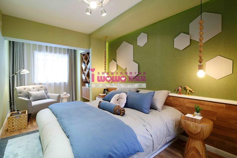 loft 现代简约 卧室 卧室图片来自爱窝窝精致家装机构在精致六边形的分享