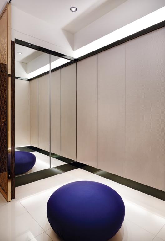 新古典风格 三居 杨浦区装修 衣帽间图片来自实创装饰上海公司在135平时尚新古典主义优雅公寓的分享