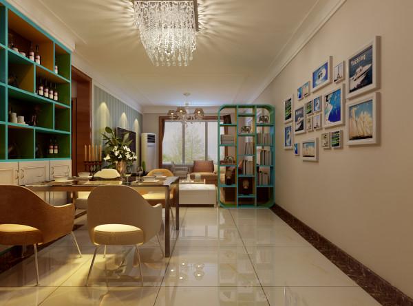 客餐厅整体以暖色调为主穿插偏冷的颜色使色彩生动有活力。客餐厅整体来说比较狭长,因此浪费的空间就比较大。冲过道部分几乎不能利用,因此做了造型活泼的隔断,一是利用了空间 再者实现了区域的分割,功能性更强。