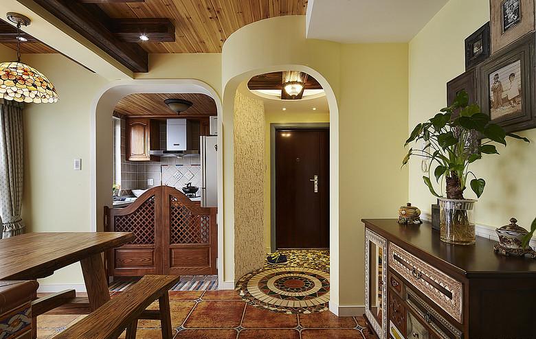 玄关图片来自家装大管家在爱在城堡 96平美式地中海婚房的分享