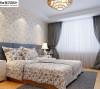卧室的照明创造了一种柔和、朦胧、静谧的气氛。同时,灯光的色彩与室内色彩的基调相吻合,而灯具的选择新颖别致,将卧室点缀的如梦如幻。风格崇尚时尚和简约,同时也彰显了中国传统文化深厚的底蕴。