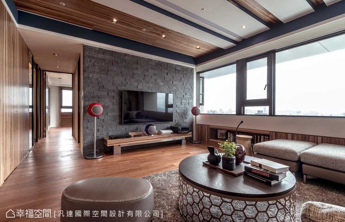 客厅图片来自幸福空间在爱上139平亚得里亚海的优雅风情的分享