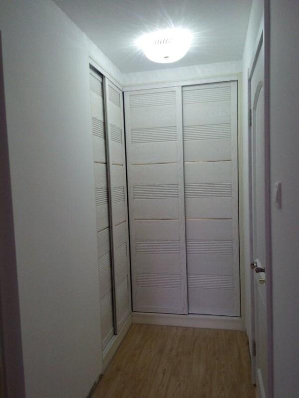 这么多柜子,衣服有地方放了哦