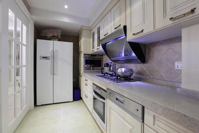 日升装饰 厨房图片来自装修设计芳芳在172平中式与美式混搭的分享