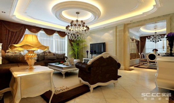 客厅设计: 客厅中充满欧式风格的吊顶、华丽的水晶灯搭配深咖色沙发与装饰品的摆放,让整个客厅营造出时尚、高贵、轻松、愉悦的视觉感空间。