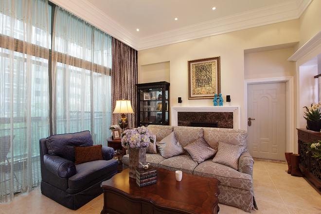 日升装饰 客厅图片来自装修设计芳芳在172平中式与美式混搭的分享