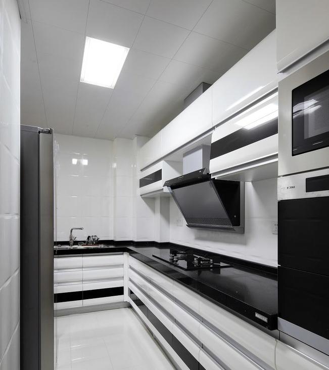 厨房图片来自超凡装饰邓赛威在正商蓝海港湾130平装修设计的分享