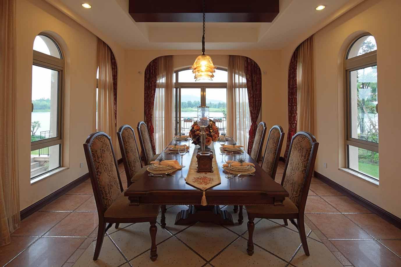 别墅装修 装修风格 西班牙风格 别墅软装 软装设计 室内设计 餐厅图片来自别墅装修设计yan在品质生活西班牙风格的分享