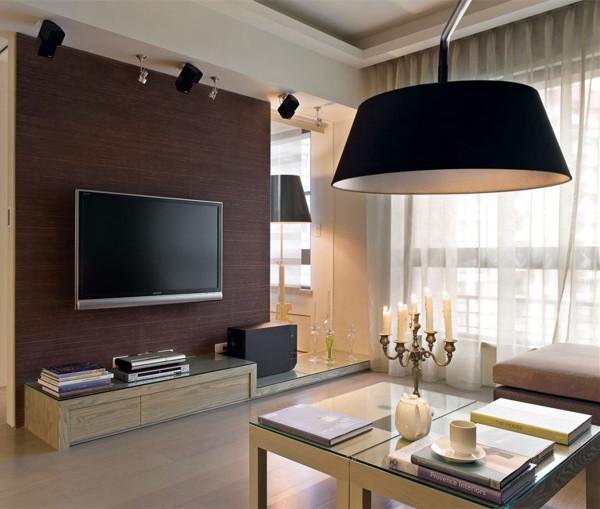 简约风格中客厅的色彩大多以明快为主,注重细节化,赋予居室空间于生命、情趣。既能满足人们的生活方式和需求功能,又能体现出人们的自身品位、文化背景、修养内涵