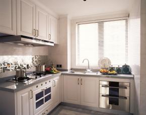 经典 欧式 四居 宽敞 温馨 厨房图片来自武汉嘉年华装饰在东湖楚天府170平的分享