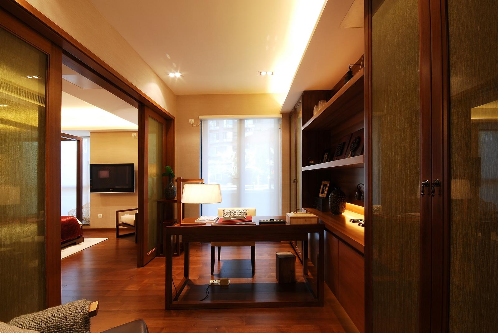 三居 简约 书房图片来自武汉豪迪装饰公司在顶琇国际城102平现代简约的分享