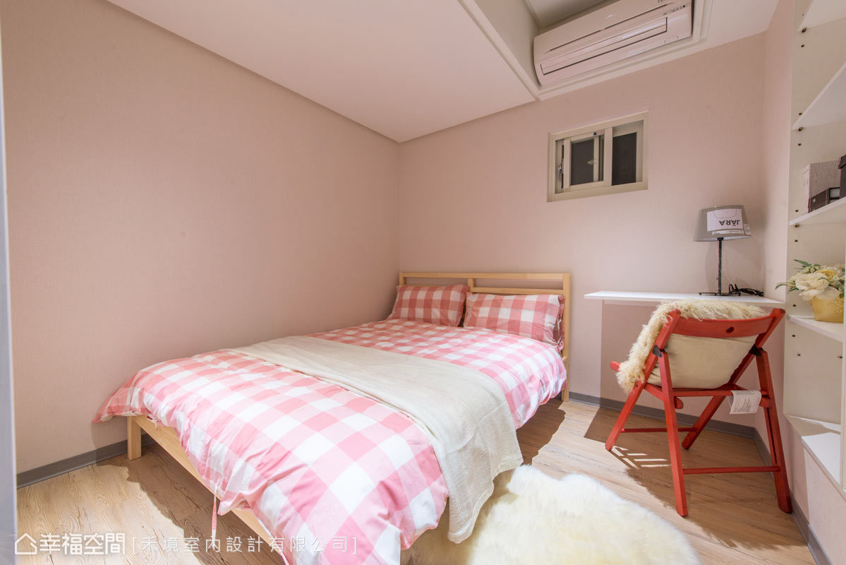 卧室图片来自幸福空间在56平打造北欧IKEA风尚的分享