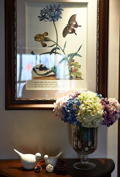 美式 三居 白领 客厅图片来自用户5652705438在默认专辑的分享