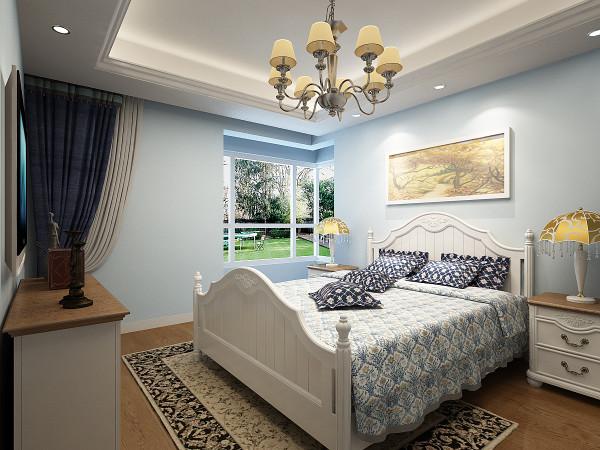 卧室的的设计采用和客餐厅一样的色漆涂刷。白色的床榻,深色的地板形成鲜明的对比,整体以地中海式的浪漫情调,营造出生活的安逸,使生活浪漫又温馨。