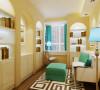 建设书房使用这样的组合柜显得空间很充实
