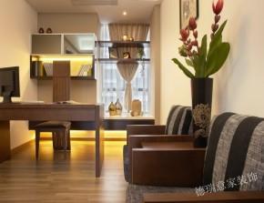 中式 三居 收纳 餐厅 客厅 卧室 书房 温馨 舒适 书房图片来自青岛德瑞意家装饰郭欣在新中式风格的经典展现两室两厅的分享