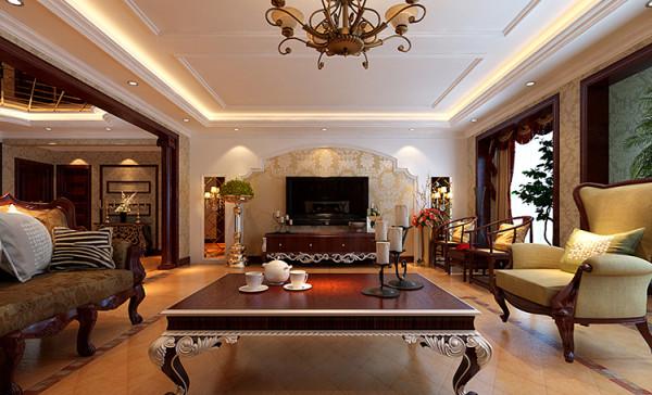 """客厅设计: 设计理念:""""沉醉奢华""""是典型的古典欧式风格,这种风格的特点是典雅华贵,具有浓厚的文化气息。而且客厅在配饰上,金黄色和红木的配饰衬托出古典家具的高贵与优雅,赋予古典美感的窗"""