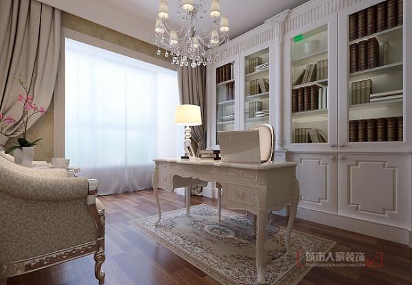 白色是这间书房的主色调,白色是时尚界永不过时的经典色之一。屋主在选择地板的时候选择了木亚光木质地板。整个空间的墙面上没有多余的装饰品,显得简洁大方。