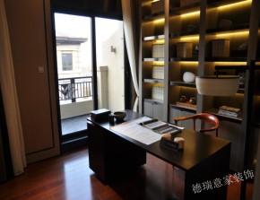 中式 现代 卧室 书房 厨房 温馨 舒适 三居 白领 书房图片来自青岛德瑞意家装饰郭欣在中式与现代的交汇三室两厅的经典的分享
