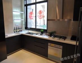 中式 现代 卧室 书房 厨房 温馨 舒适 三居 白领 厨房图片来自青岛德瑞意家装饰郭欣在中式与现代的交汇三室两厅的经典的分享