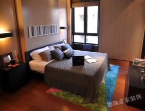 中式 现代 卧室 书房 厨房 温馨 舒适 三居 白领 卧室图片来自青岛德瑞意家装饰郭欣在中式与现代的交汇三室两厅的经典的分享