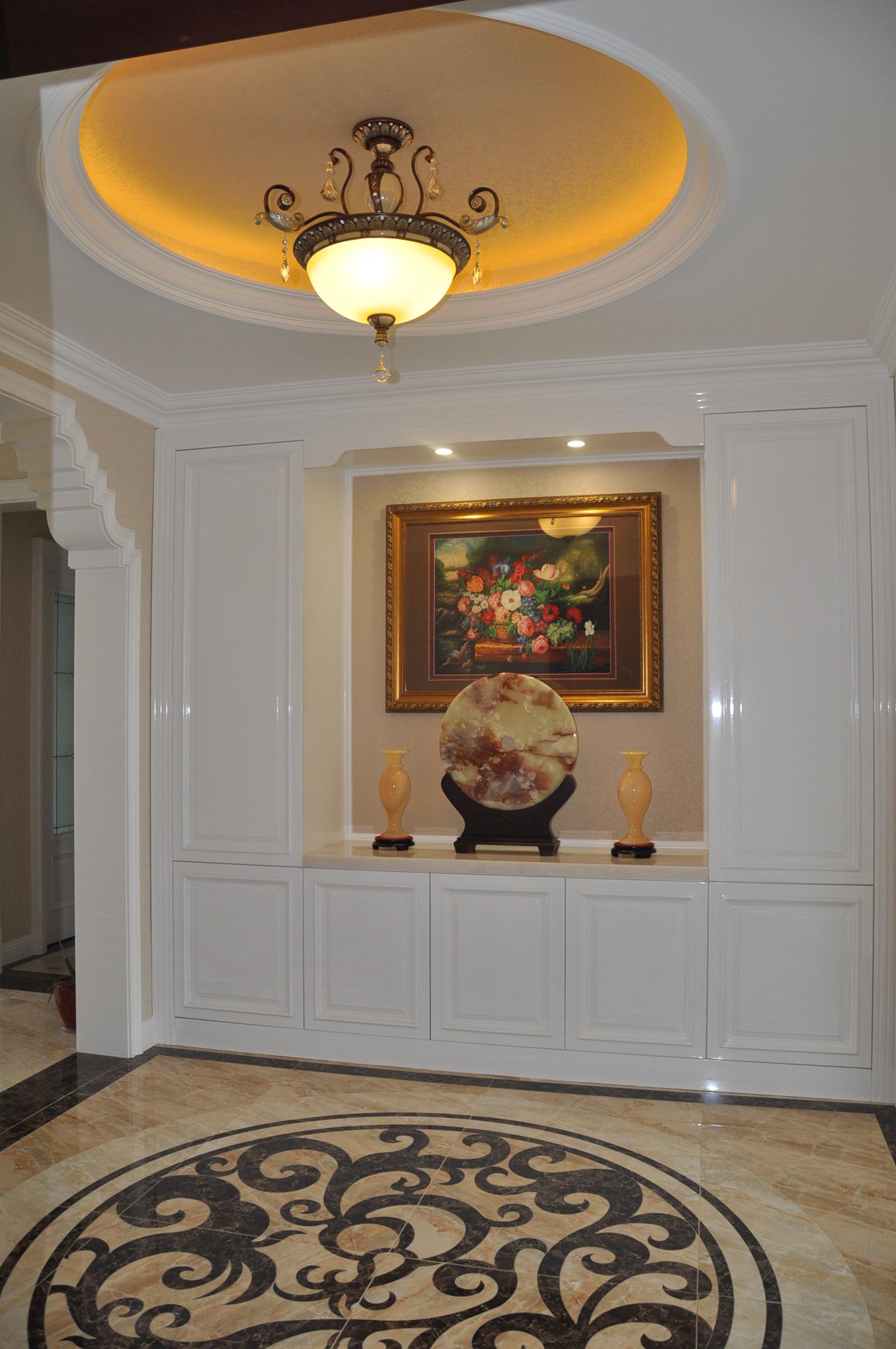 欧式 三居 玄关图片来自Rebecca852在欧式风格-王府壹号竣工实景的分享