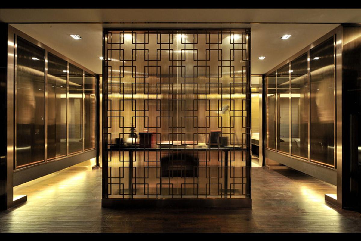 旧房改造 别墅 软装配饰 方案设计 玄关图片来自北京别墅装修-紫禁尚品在后现代奢华风格的分享