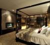 卧室装修造型以矩形为基本框架,稳重奢华。